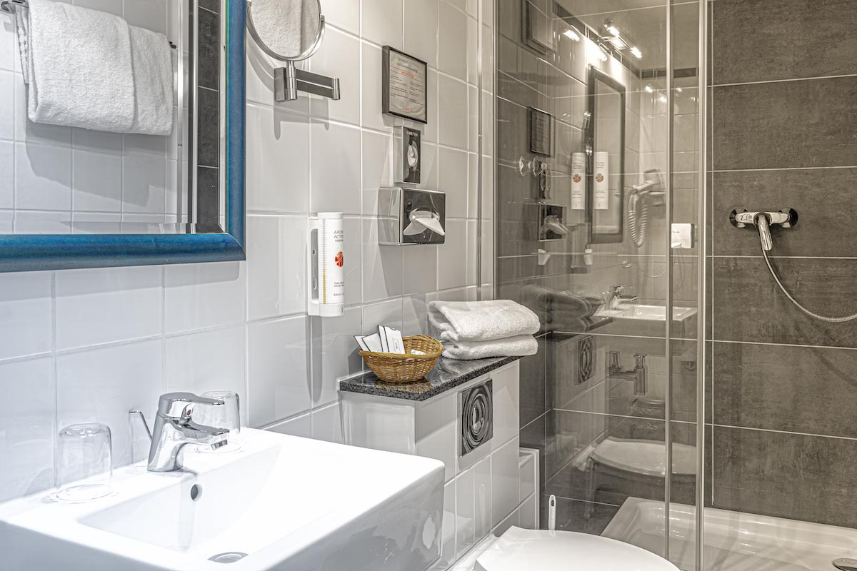Badezimmer ALL-INN HOTEL FRANKFURTDoppel Zimmer