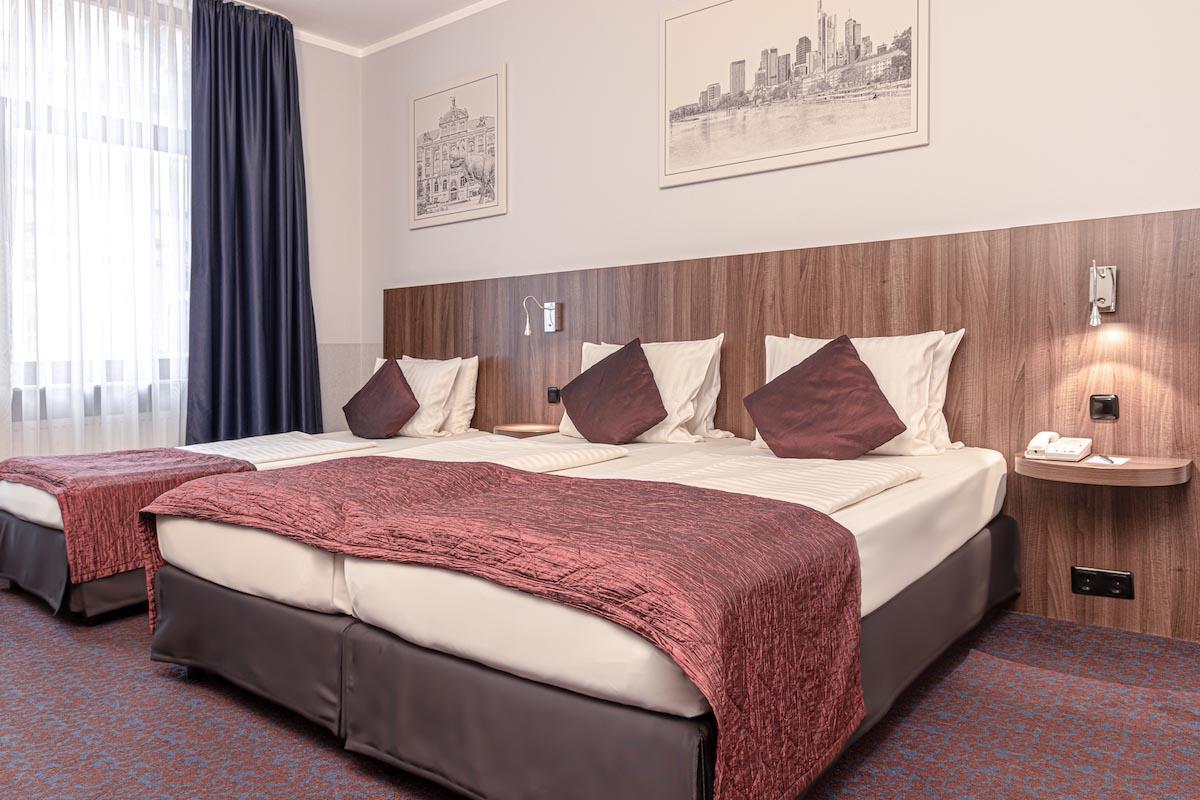 Drei Betten - ALL-INN HOTEL FRANKFURT dreier Zimmer